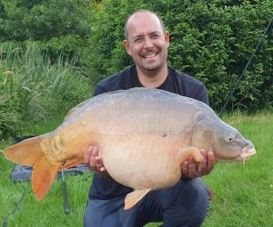 forty pound mirror carp fishing in france with accommodation